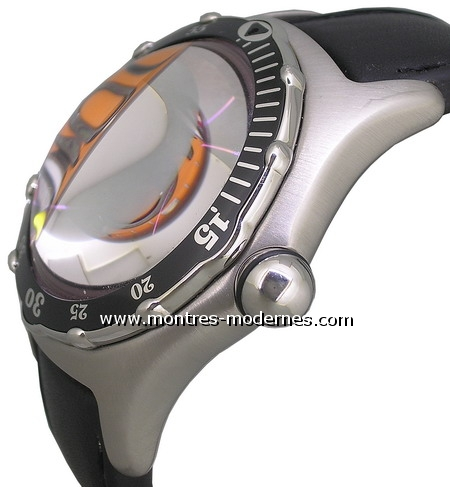 Corum Bubble Dive Bomber Special Edition 2004 - Image 2