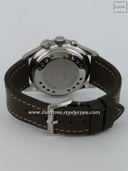 Vulcain Aviator Cricket GMT Pilot - Image 4